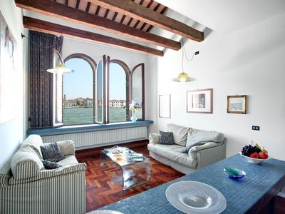 Photo for Venice, Giudecca, comfortable apartment for 7 with a magnificent view of the canal