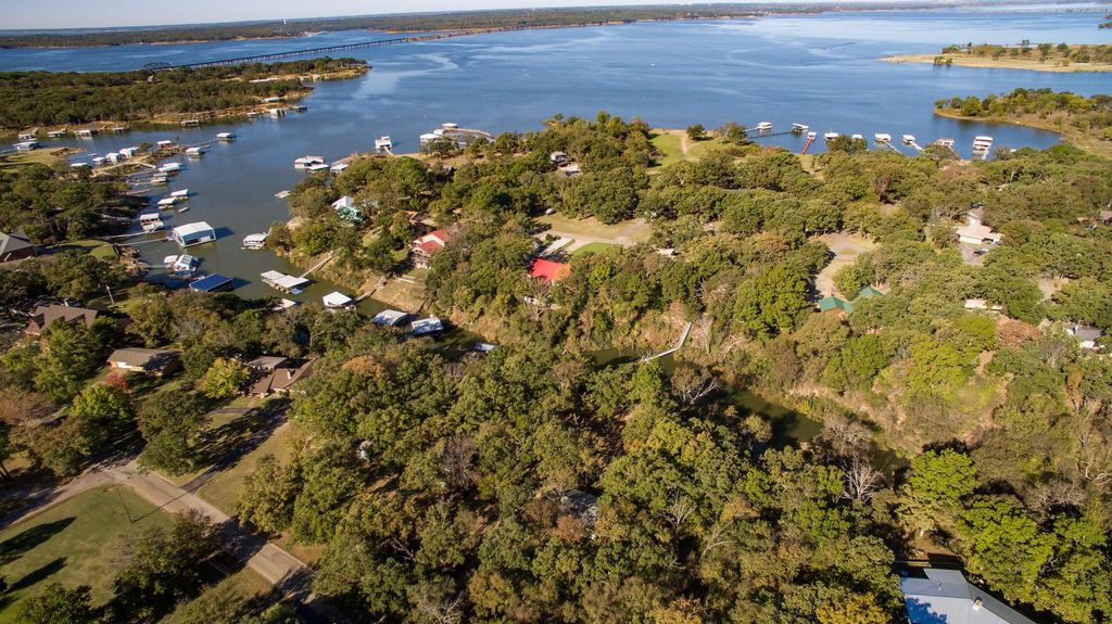 Cabin on texoma shores private boat dock a homeaway for Lake texoma cabins with hot tub