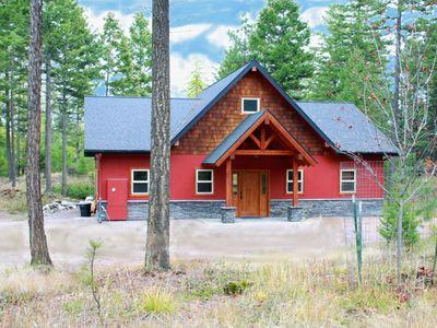 Photo for Ruby Red Loft - Get-a-Way in this Beautiful Cabin