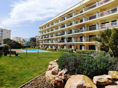 Photo for Duplex apartment with pool and parking, sea view, 30 m. from the beach, Roses