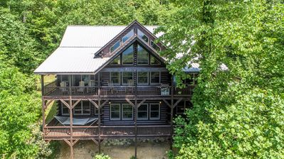 Four Points 4 Bedroom 4 Bath Log Cabin in Valle Crucis