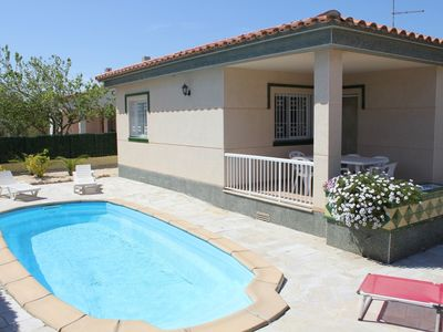 Photo for Angeles (6): Private Pool, WiFi, A / C, 0,21km from the beach, an official dog beach