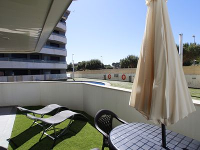 Photo for Apartment terrace access pool, Parking, high speed wifi, A / C, pool