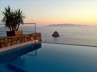 Sea & Infinity Pool, with Views made in Heaven