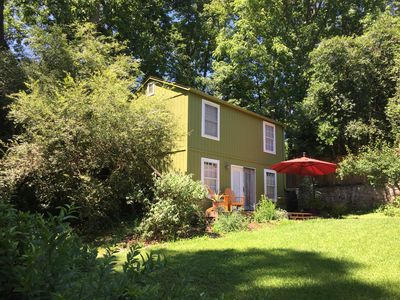 Photo for Charming & Quiet Carriage House (Upstairs)