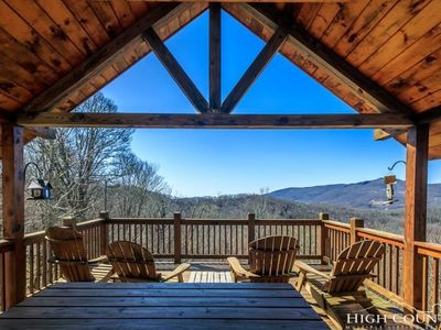 Photo for Sugar Mountain getaway with a sweet view!