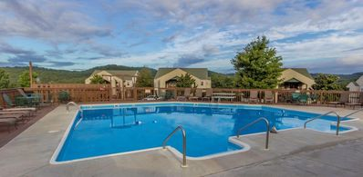 Photo for Condo with Pool   Hot Tub   Free WiFi  Walk-in   2.2 miles from Silver Dollar City (311604)