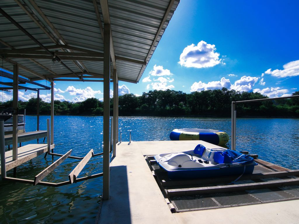 Book 2 Nights Get 1 Free Swimming Pool Fire Pit Paddle Boards Game Room Buchanan Dam Texas
