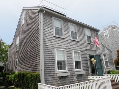 Photo for In Town! Beautifully updated 5-6BR/3BA w/AC, parking + guest cottage