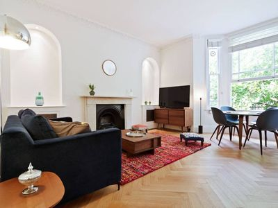 Photo for Splendid, Design 1 Bed apt in Hampstead