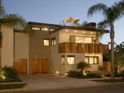 Photo for New Beautiful, Modern House with Huge Roof Top Deck & Balcony
