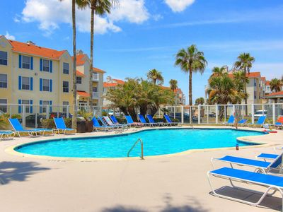 Photo for Snowbirds welcome! 1st-floor condo w/shared pool & hot tub - 1 block to beach!