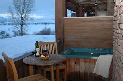 Private Hot tub with awesome views of Pineview and Snowbasin
