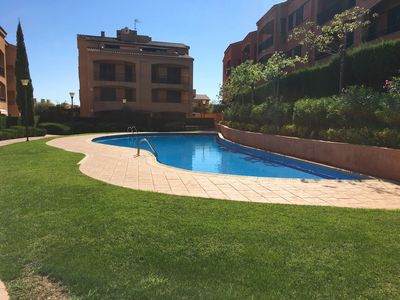 Photo for Cozy apartment of 115 m2 with swimming pool and communal area, in the quiet urbanization o