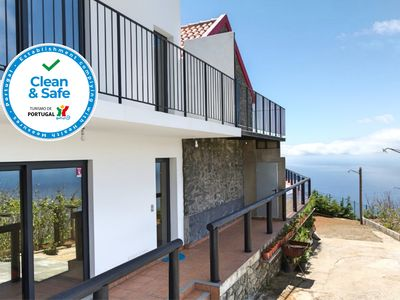 Photo for On the cliffs with ocean view, perfect for walking – Top of the Cliff Apartment I
