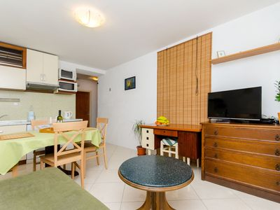 Photo for A2 two-bedroom Apartment with Garden, 5 min to Bacvice beach