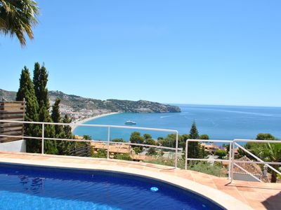 Photo for Grand villa with fantastic views to the Mediterranean Sea