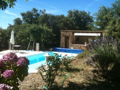 Photo for In the heart of the Luberon, spacious villa with private pool and jacuzzi