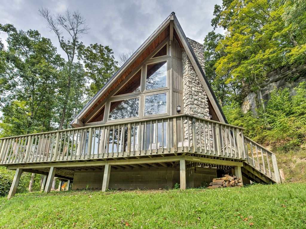 Exceptionnel ... Red River Gorge Cabin. Combining A Beach Theme With A Deluxe Mountain  Cabin Makes U0027Southern Comfort,u0027 This