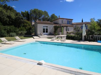 Photo for Beautiful air-conditioned villa in Poulx, Gard, private pool