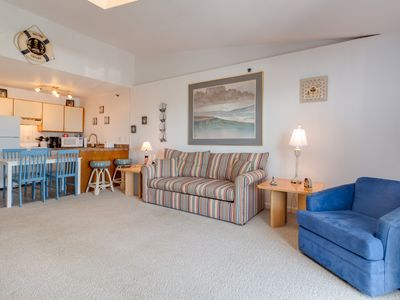 Photo for NEW LISTING! Cozy studio w/a full kitchen & balcony near beach & attractions