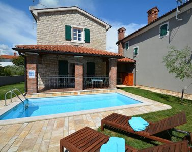 Photo for Charming holiday home with pool for up to 5 people near Porec