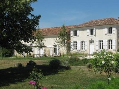 Photo for Green Perigord, house, historical monument, 6 rooms, heated pool, tennis court