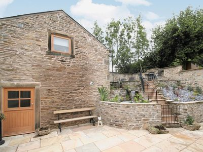 Photo for 1 bedroom property in Glossop. Pet friendly.