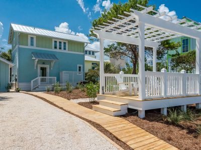 Photo for Beautiful new home just 40 steps from the Beach!