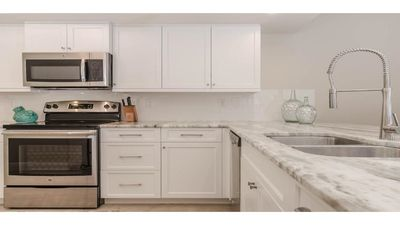 Beautiful well stocked kitchen for all your home cooked meals.