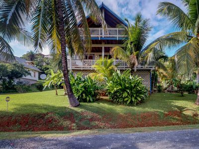 Photo for Sunny, quiet island house with ocean view & shared swimming pool