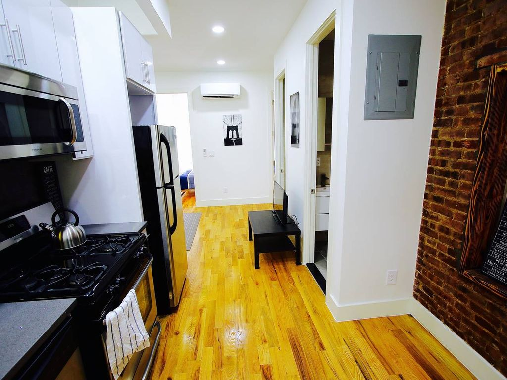 Cozy modern 3 bedroom 2 bath apartment in bed stuy - 3 bedroom and 2 bathrooms apartment ...