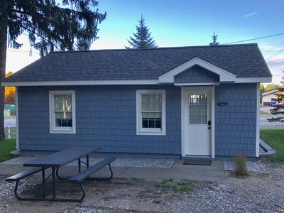 Photo for Newly renovated Lake Missaukee cabin, walking distance to the beach!
