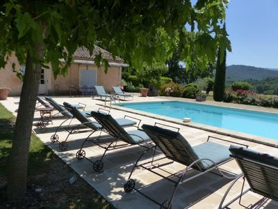 Photo for Traditionnal provencal farm with swimming-pool and high reputation