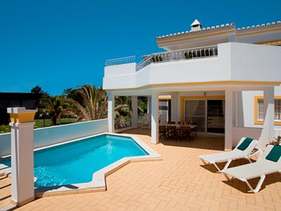 Photo for 2 bedroom Villa, sleeps 6 in Quinta do Lago with Pool, Air Con and WiFi