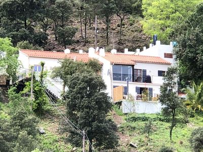 Photo for Attractive and luxurious villa with pool-jacuzzi, beautiful view 20 minutes from the sea