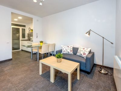 Photo for Apartment Eixample Dret Aragón - Sardenya in Barcelona - 5 persons, 3 bedrooms