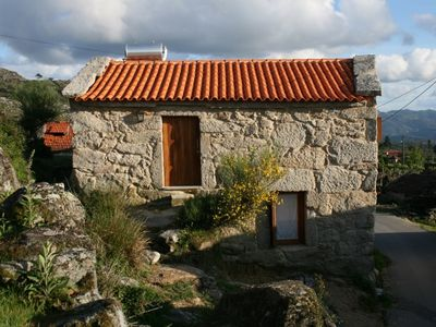 Photo for Chestnut House - Eido do Orchard, small house in tranquil countryside
