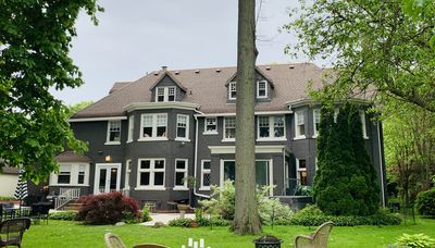 Detroit Golf Course Luxury Home on 11th hole