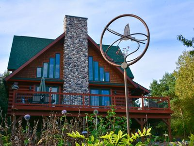 Elegant Log Cabin home - Perfect for your up north get away!