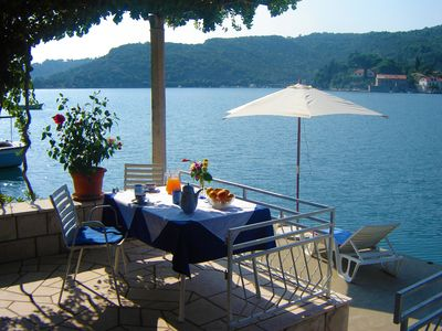 Photo for Quiet & Comfortable seafront apartment 10 minutes from Dubrovnik