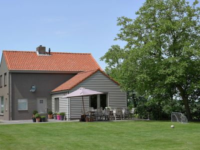 Photo for Tastefully decorated holiday home with rural location, 5km from the sea