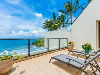 Photo for Oceanfront Puu Poa Penthouse overlooking Hideaways Reef - rates from $225