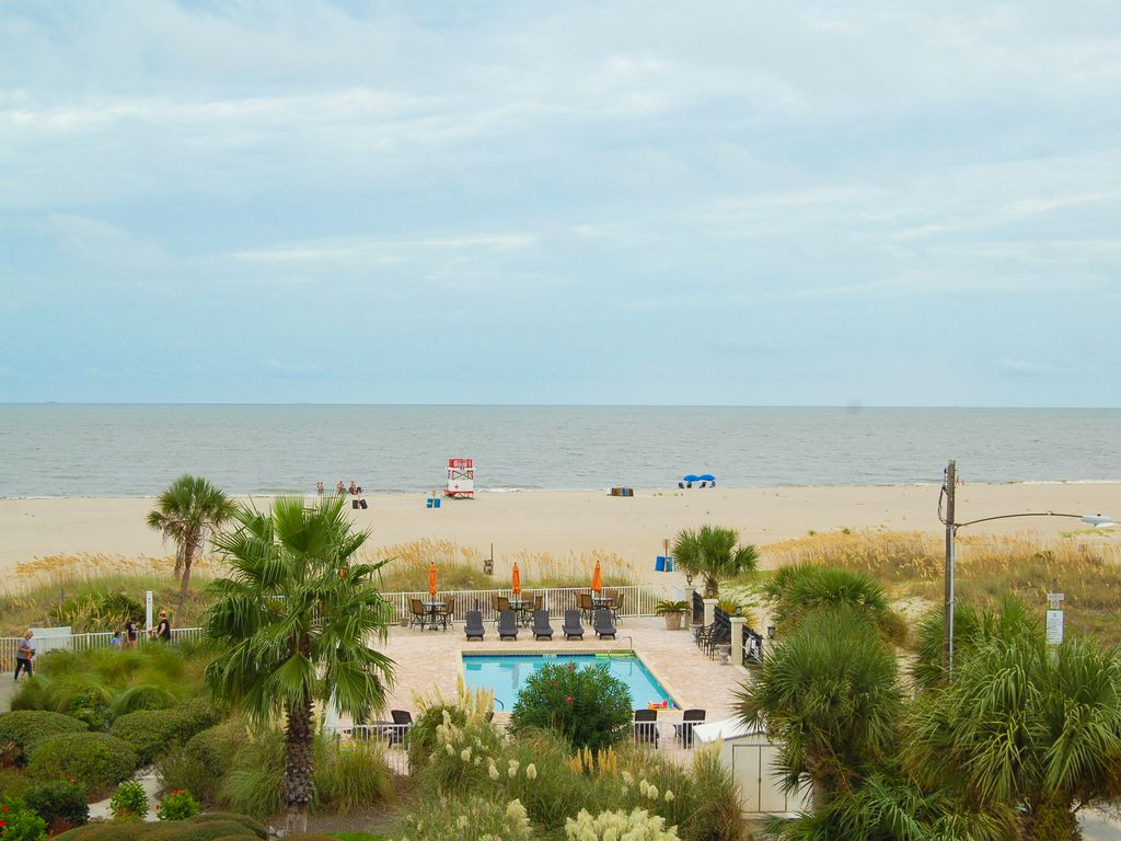 Vrbo Tybee Island 1 Bedroom Desoto Unit 302 Luxury 3 Bedroom With Amaz Vrbo