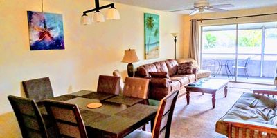 Photo for 2 BR 1000 SQ FT Sarasota Near Siesta Key, 2 King beds, Screened covered patio