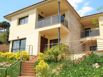 Photo for Beautiful villa with private pool and sea views 1500 meters from the beach