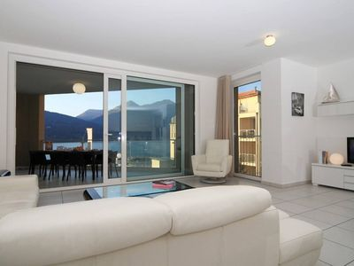Photo for Modern 3 bedroom apartment on Lake Maggiore