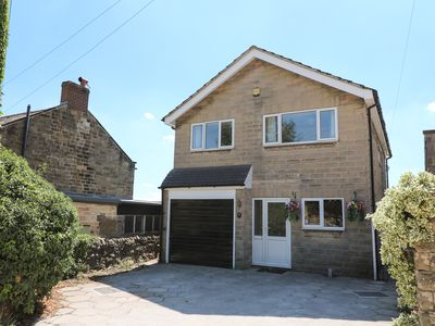 Photo for 7 SNOWDROP VALLEY, pet friendly, with a garden in Crich, Ref 982427