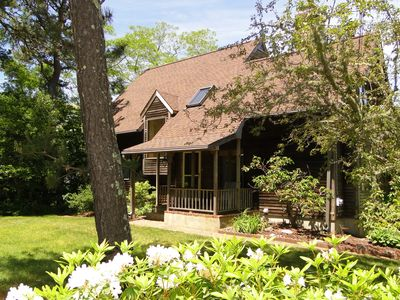 Family-Friendly Cape Retreat with Kayak-Steps to Long Pond