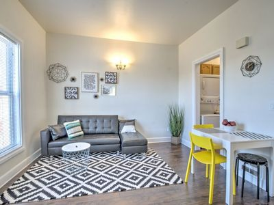 Week/Month discounts  Renovated Bright 1 BR in the heart of Capitol Hill – APT B